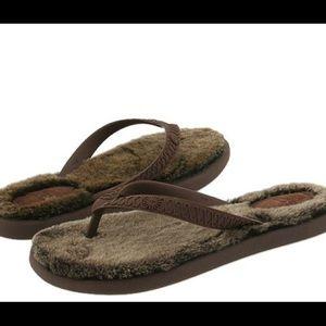 UGG Sandals Fuzzy Brown